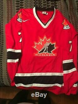 CALE MAKAR AUTOGRAPH CANADA HOCKEY JERSEY-AVALANCHE-2018 CANADA GOLD MEDAL WithJSA