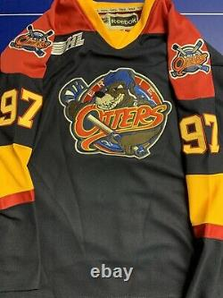 Connor Mcdavid Signed Jersey Beckett COA Erie Otters BAS Full Signature Oilers