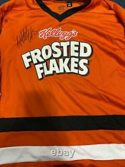 Frosted Flakes hockey jersey signed by Wendel Clark (medium)