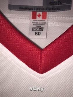 Gordie Howe Autographed Red Wings White Jersey Mr. Hockey TRISTAR Authenticated