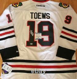 Jonathan Toews Signed Chicago Blackhawks 3XL Hockey Jersey withBeckett COA S64600