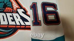 New York Islanders Jersey NHL Vintage Rare Fisherman Autographed By Ziggy Palffy