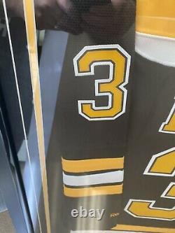 Patrice bergeron autographed jersey Framed Boston Bruins Mr. Selke Himself