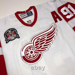 Sergei Fedorov Signed 1997 Stanley Cup Detroit Red Wings CCM Jersey Beckett Coa