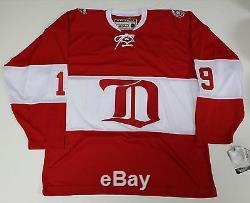 Steve Yzerman Signed Detroit Red Wings 2014 Alumni Jersey Stevie Y Auth Coa