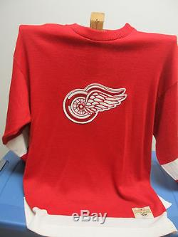 Ted Lindsay Detroit Red Wings Autographed Vintage 1946 Heritage Classic Sweater