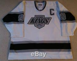 WAYNE GRETZKY Signed Authentic Los Angeles Kings Jersey Upper Deck Authenticated