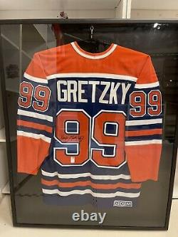 Wayne Gretzky Autographed Jersey