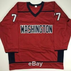 Autographié / Tj Signé T. J. Oshie Washington Personnalisé Red Hockey Jersey Beckett Coa