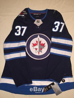 Connor Hellebuyck Winnipeg Jets Chandail Adidas Authentic Authentic LNH Autographié