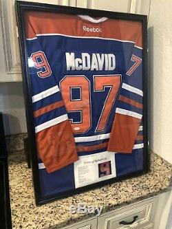 Connor Mcdavid Autographed Edmonton Oilers Hockey Jersey Jsa- Cadre Non Compris