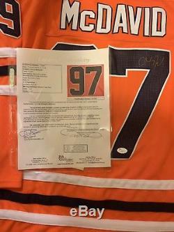 Connor Mcdavid Jersey Signé Par Les Oilers D'edmonton Jsa Coa # Z37814