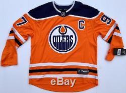 Connor Mcdavid, Maillot Fanatique Du Hockey, Signé Par Les Oilers D'edmonton N ° 97, Psa / Adn