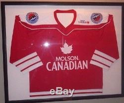 Gordie Howe Chandail De Hockey Molson Canadian Signé Avec Patches Signé 33x41 Hof
