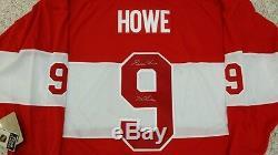 Gordie Howe Maillot Des Anciens Joueurs CCM Signé 2014 Winter Classic Detroit Red Wings