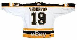 Joe Thornton Des Bruins De Boston Autographié Maillot Blanc