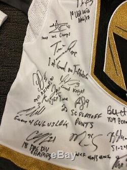 L'équipe Vegas Chevaliers D'or Signé 2017-2018 Jersey First Season Fanatics 43 50