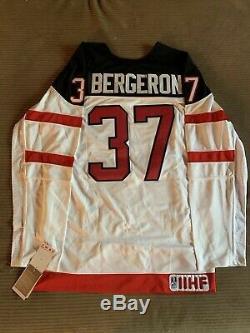 Patrice Bergeron Chandail Équipe Canada Des Bruins De Boston Autographié