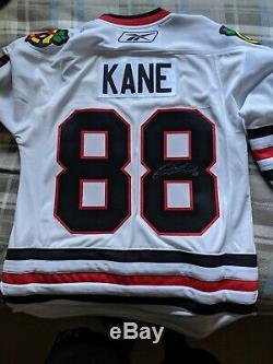 Patrick Kane Des Blackhawks De Chicago Signé Rbk Premier Jersey LNH Blanc