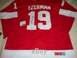 Steve Yzerman A Dédicacé Maillot De Hockey Coa Signé Par NHL Red Wings Legend