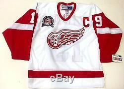 Steve Yzerman A Signé Le Maillot Psa Coa Du Maillot De La Coupe Stanley 1997 Des Red Wings De Detroit