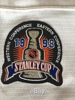 Steve Yzerman Maillot De La Coupe Stanley 1998 Signé Detroit Red Wings Neuf Avec Étiquettes Coa