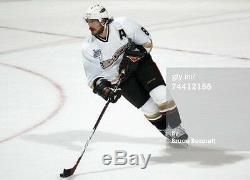 Teemu Selanne A Signé La Coupe Stanley 2007 Avec Les Ducks D'anaheim Anaheim