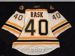 Tuukka Rask Bruins Équipe Jersey Publié 2010 NHL 58g + Gardien De But Cut Reebok Bord 2.0