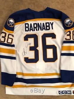Un, Jersey Buffalo Sabers, Matt Barnaby # 36, Dédicacé