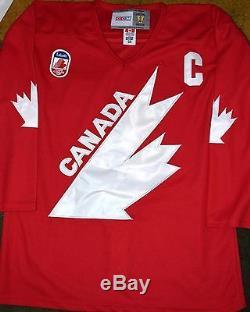 Wayne Gretzky # 99 Maillot De Coupe D'équipe Canada Signé Jsa Loa Kings Oilers Rangers