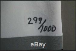 Wayne Gretzky Maillot Capitaine La Kings Signé Dans Le Cadre 299/1000 Uda Sticker Pc912